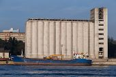 pic of silo  - Silos and a ship in a port - JPG