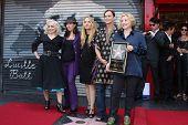 LOS ANGELES - AUG 11: The Go-Gos bei der Zeremonie für die Go-Go-Star auf der Hollywood Walk of Fa