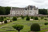 image of poitiers  - Garden and Castle of Chenonceau - JPG