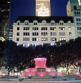Fountain, Fifth Ave, New York