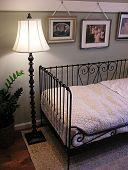 Una foto de un dormitorio