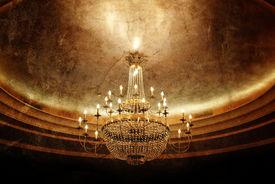 pic of flambeau  - grunge chandelier - JPG