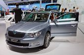 FRANKFURT - 17 de setembro: Carro Skoda Superb Combi mostrado no 64º Internationale Automobil Ausstellung, (I