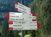 pic of genova  - Direction indicator in the Genova valley - JPG
