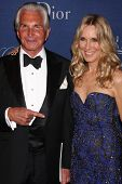 LOS ANGELES - OCT 8:  George Hamilton, Alana Stewart at the Princess Grace Foundation Gala 2014 at Beverly Wilshire Hotel on October 8, 2014 in Beverly Hills, CA
