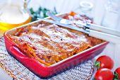 foto of lasagna  - lasagna in bowl and on a table - JPG