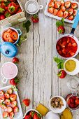 picture of strawberry plant  - Strawberries  - JPG