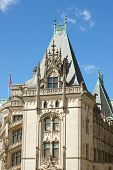 foto of asheville  - The tower and exterior of the front entrance to the Biltmore Estate in Asheville - JPG