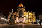 Edinburgh cathedral night view