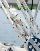 Rope, Lines Or Sheets On A Sailboat - Traveller, Block And Tackle