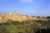 picture of hilltop  - the village of Pitigliano hilltop town - JPG