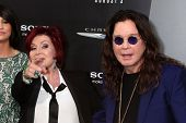 LOS ANGELES - AUG 1:  Sharon & Ozzy Osbourne arrives at the