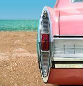Carro clássico rosa