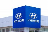 Hyundai Autombile Dealership Sign