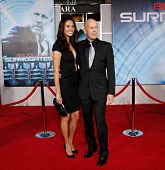 LOS ANGELES - SEPT 24: Bruce Willis and wife Emma Heming at the world premiere of 'Surrogates' on Se