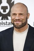 LOS ANGELES - AUG 3: Randy Couture at the Screening of 'The Expendables' held at Grauman's Chinese T