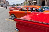 Havanna Juni 4:chevrolet und andere Oldtimer Juni 4,2011 in havana.cubans halten Sie Tausende von alten cl