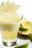 Smoothie with Pineapple, Apple and Lime