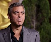LOS ANGELES - FEB 6:  GEORGE CLOONEY arrives to the 2012 Academy Awards Nominee Luncheon  on Feb 6,