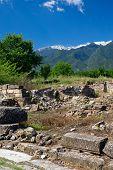 Antigas ruínas em Dion, Grécia.