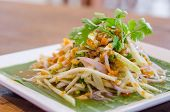 picture of cooked crab  - Spicy crab eggs with mango salad  - JPG