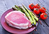 meat and asparagus