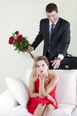 enttäuscht Frau ahnungslose ihr Ehemann Überraschung