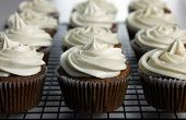 Vegan Applesauce Cupcakes With Vegan Cream Cheese Frosting