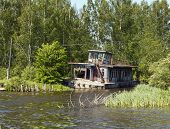 Old River Pontoon House