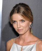 LOS ANGELES - SEP 29:  Annabelle Wallis arrives to the