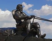 Statue of Pioneer