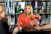 picture of bartender  - Talk at the bar - JPG