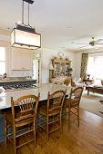 Küche und Wohnzimmer offene Fläche