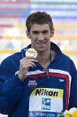 29 De julio de 2009; Roma, Italia; Michael Phelps (USA) durante la ceremonia de medalla para las hombres 200m mariposa,