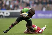 17/09/2011. Twickenham, England. Harlequins Ugo Monye,  in action during the Aviva premiership rugby