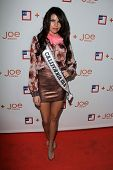Mabelynn Capeluj at the introduction of Joe Fresh at JCP, Joe Fresh at JCP Pop Up Store, Los Angeles