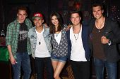 Kendall Schmidt, Carlos Roberto Pena Jr., Victoria Justice, Logan Henderson, James Maslow at the Big