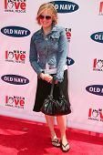 BEVERLY HILLS - APRIL 29: Sherry Stringfield at the Old Navy Nationwide Search for a New Canine Masc
