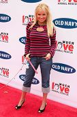 BEVERLY HILLS - APRIL 29: Kristin Chenoweth at the Old Navy Nationwide Search for a New Canine Masco