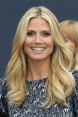 Heidi Klum at the launch of Heidi Klum`s Hair Beauty Therapy's Right End Revolution, The Grove, Los