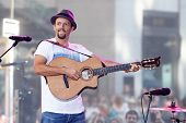 NEW YORK-JUL 18: Recording artist Jason Mraz performs in concert at NBC's 'Today Show' at Rockefelle
