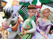 fallas de la escultura de figuras de fiesta popular papier maché de Valencia en España