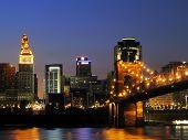 Cincinnati Centro após o ocaso.