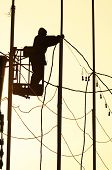 Silueta de hombre de electricista