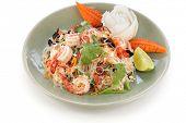 yam wun sen, thai mung bean noodle salad