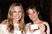 LOS ANGELES - AUG 1:  Kelly Sullivan, Nancy Lee Grahn at the William deVry Fan Club Event at the Cal