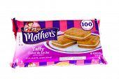 Hayward, CA - January 5, 2015: 16 oz packet of Mother's brand Taffy Dulche De Leche cookies