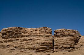foto of landforms  - landform in desert  - JPG
