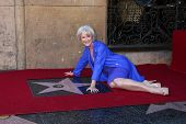 LOS ANGELES - JAN 3:  Helen Mirren at her Hollywood Walk of Fame Star Ceremony at Pig 'n Whistle on