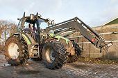 Tractor grande